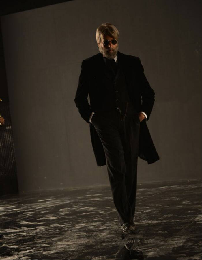 Pictured here, Amitabh Bachchan looks dark and deadly. (Source: Amitabh Bachchan's blog)