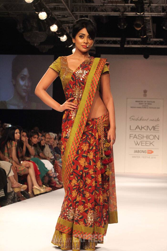 Southern siren Shriya Saran looked every bit the desi beauty she is in a sari by designer Shashikant Naidu. (Source: Express Photo by Dilip Kagda)