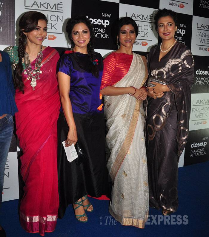 Pretty ladies Soha Ali Khan, Maria Goretti, Konkana Sen Sharma and Mini Mathur get together for the cameras. (Source: Varinder Chawla)