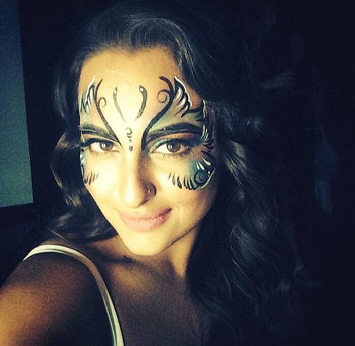 Actress Sonakshi Sinha flaunts butterfly tattoo on her face.