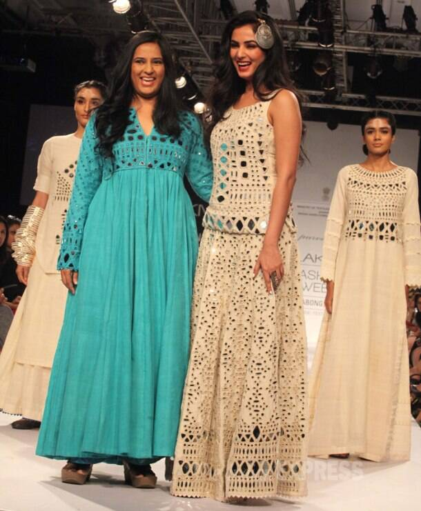 Desi beauties Sonal, Chitrangada, Konkana, Neha, Shriya at LFW 2014
