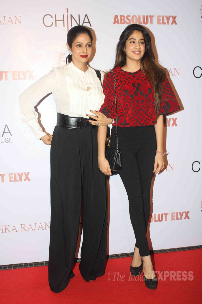 Veteran actress Sridevi, who is all set to play a stepmom onscreen, stepped out with her stylista daughter Jhanvi Kapoor for Anushka Rajan's fashion preview on Thursday (July 31) night.  (Source: Varinder Chawla)