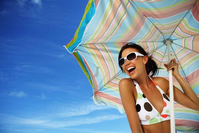 The sun's rays cause skin ageing, so protecting from them is essential. Wear sunscreen of at least SPF 30++ so that you are protected from both UVA and UVB rays. Reapply it after every four hours. (Source: Thinkstock Images)