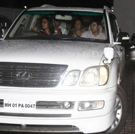 Shah Rukh with son Aryan Khan, B-Town girls Sushmita, Alia step out
