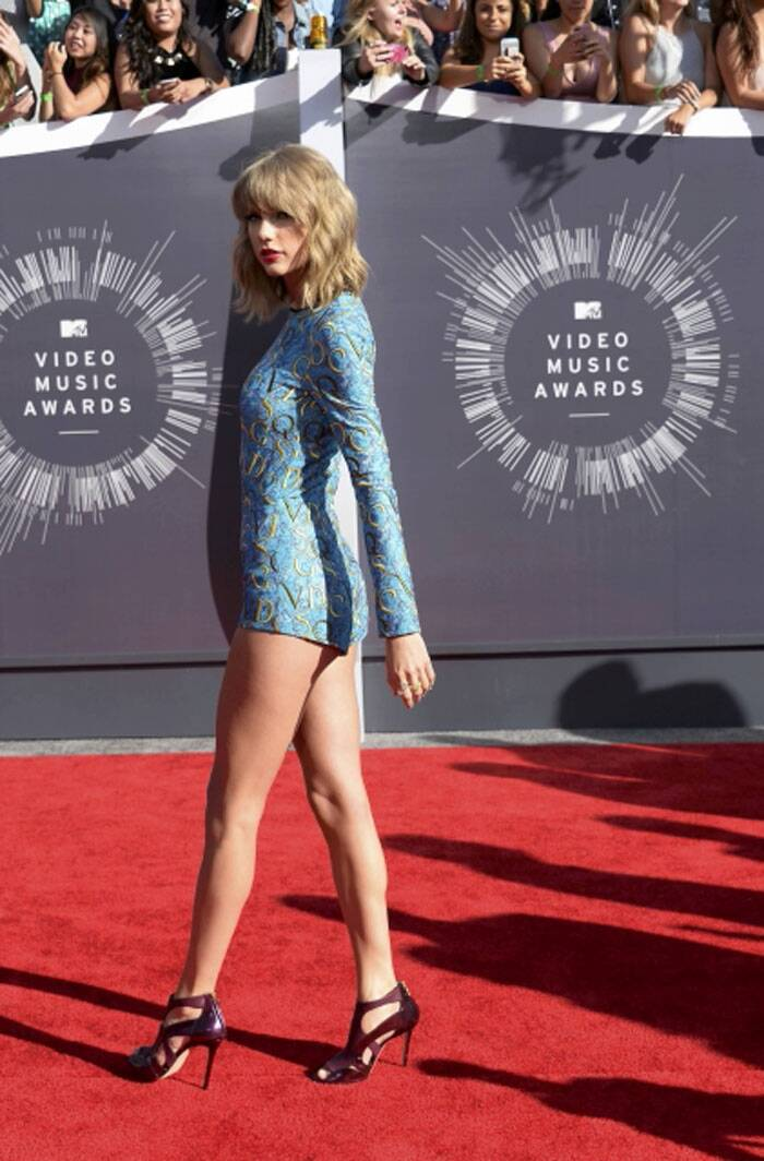 Taylor Swift arrives at the 2014 MTV Music Video Awards in Inglewood, California. (Source: Reuters)