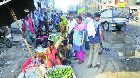 The wait to border check point begins from Raxaul bazaar, with traders from Nepal shocked at the mess.