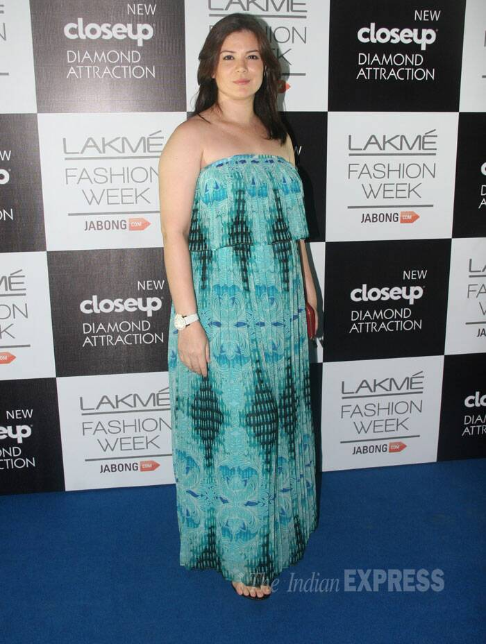 Urvashi Joshi picked a strapless printed number for her turn on the green carpet. (Source: Varinder Chawla)