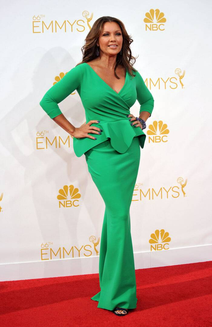 Vanessa Williams, who was seen in 'Desperate Housewives', looked gorgeous in a leaf-green peplum-style gown. (Source: AP)