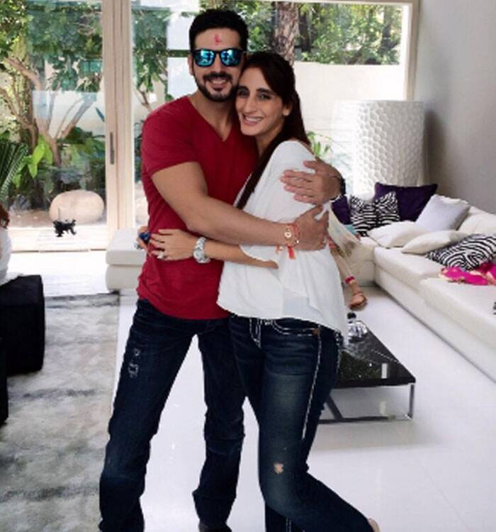 "Farah Khan Ali tweeted a series of pics with her cousins and real brother Zayed Khan. She wrote: ""With my baby brother Zai. Love u too much. #Rakshabandhanday"" (Source: Twitter)"