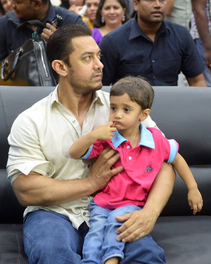 Aamir Khan with his son Azad Rao Khan during inaugural ceremony of 'Round Square International Conference 2014' in Bhopal on Monday. (Source: PTI)