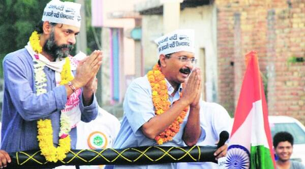 Yogendra Yadav and Arvind Kejriwal at Sunday's roadshow.Gajendra Yadav