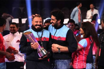 Seven years and still fresh! Aishwarya, Abhishek's PDA at pro-kabaddi finale