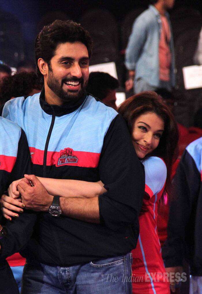 Bollywood couple Abhishek and Aishwarya Rai Bachchan may have tied the knot seven years ago, but the duo is still very much in love. At the pro-Kabaddi league finale held on Sunday (August 31), Aishwarya just could not keep her hands off her handsome husband.<br /><br /> Abhishek Bachchan-owned Jaipur Pink Panthers outclassed the U Mumba side 35-24 to lift the inaugural Pro Kabaddi Title.  (Source: Varinder Chawla)