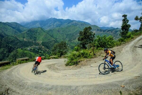 Cyclists paddle through off-road tracks, which are attracting intrepid bikers across the globe, of Himachal Pradesh. Photo: IANS