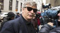 Alec Baldwin argues with cops