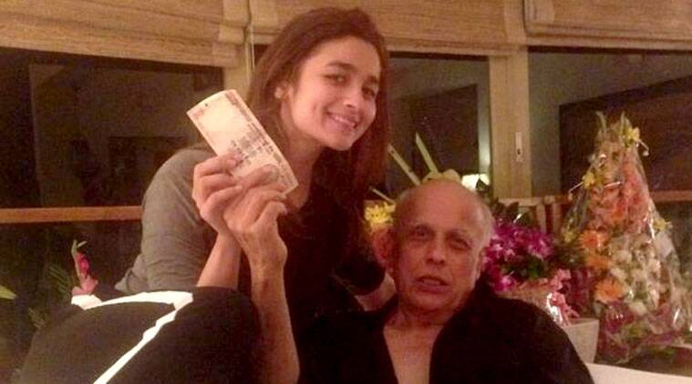 Alia Bhatt, who has given back-to-back hits, gave her filmmaker dad Mahesh Bhatt a relaxing foot massage.