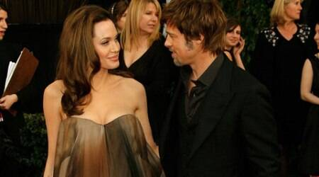 Hollywood star couple Angelina Jolie and Brad Pitt are reportedly planning to buy an island in Greece.