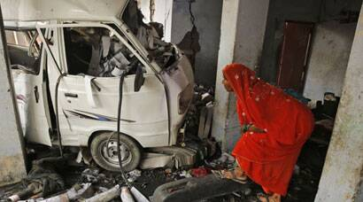 Blasts at Lucknow cracker maufacturing unit