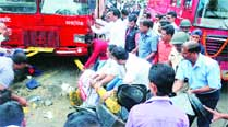 Trapped under bus, he dialled father forhelp