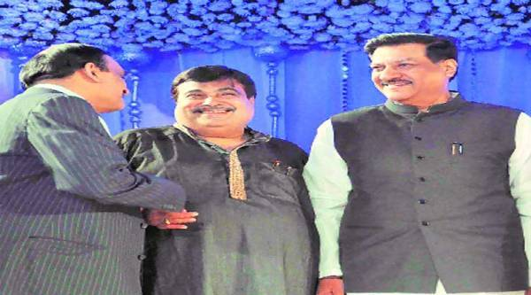 With Chavan (right) deciding to contest from his hometown,  Undalkar has now declared his intention to contest the seat even if he does not get the party ticket.