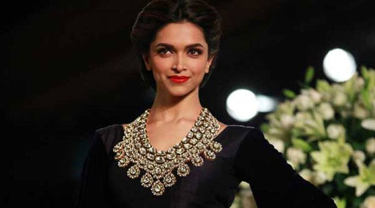 Here's looking at you, Deepika for making cleavage the new black