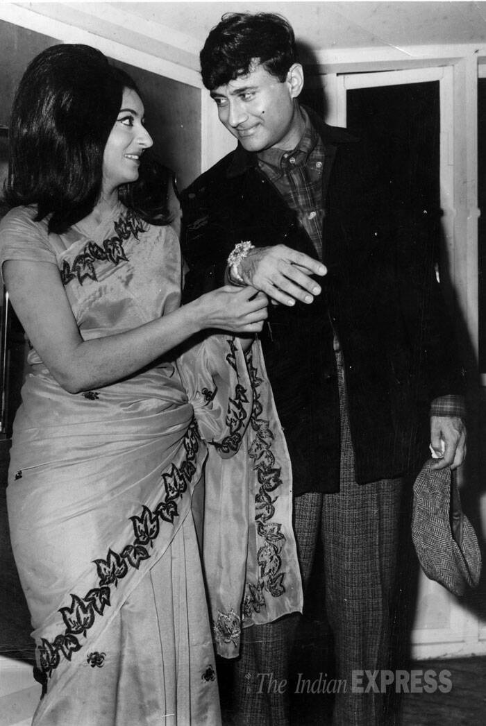 dev anand�s 91st birth anniversary unseen pics of the