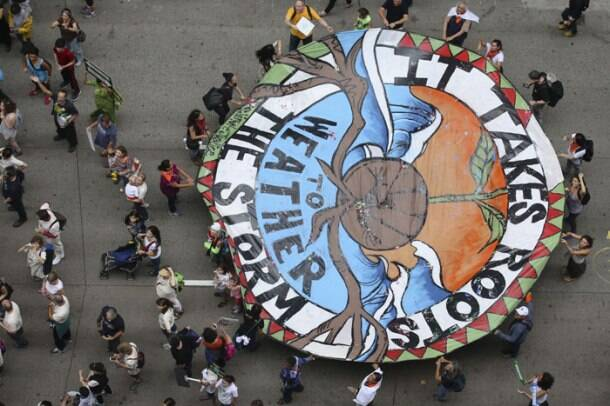 Thousands take part in march ahead of UN climate meet