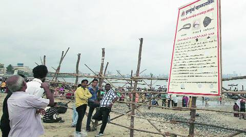 BMC has put a warning, alerting devotees to hand over the idols to the guards on the spot and not venture into the sea. (Source: Express photo)