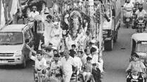 Ganesh visarjan throws traffic out of gear in city