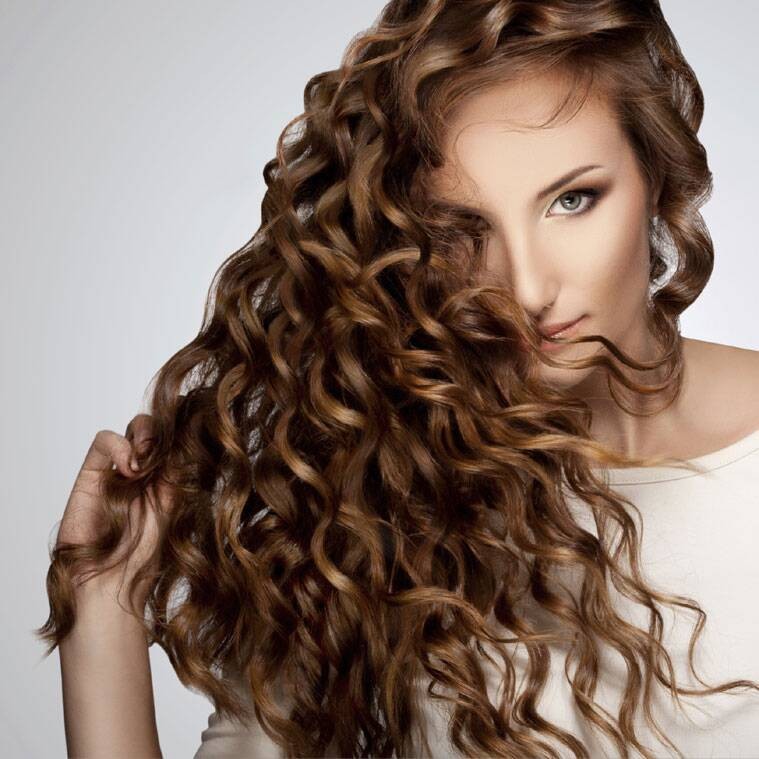 From Messy Hair To Loose Curls Wedding Hairdos For The