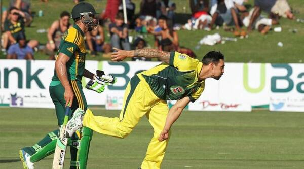 Australia's Micthell Johnson had hit Maclaren previoyusly in a test match whre the SAouth African was left with a bleeding ear. (Source: Reuters)
