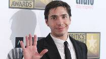 Justin Long recovering from hernia surgery