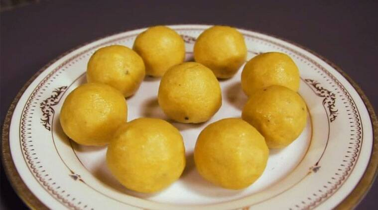 how to make besan ladoo at home in microwave
