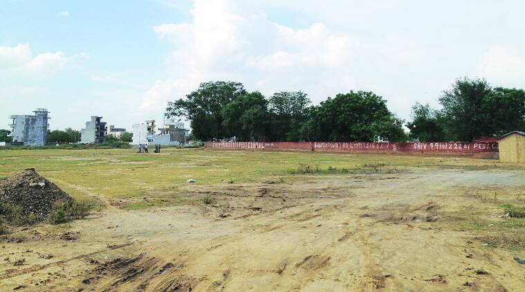 According to residents of Wazirabad village, this patch of land set to be transferred to DLF. (Source: Express photo)