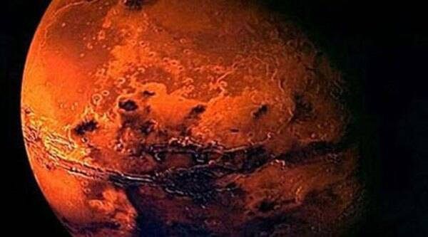 In the final action tomorrow, the orbiter has to be slowed down from 22.1 km per second to 4.4 km per second in relation to the red planet to be captured by the Martian orbit. Source: Reuters