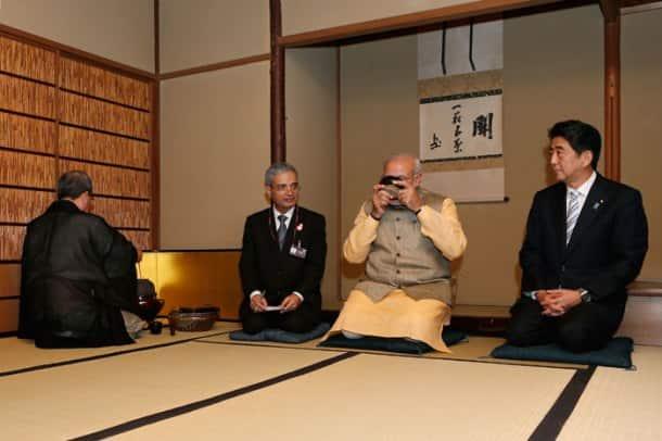 Shinzo Abe hosts Japanese tea ceremony for Narendra Modi