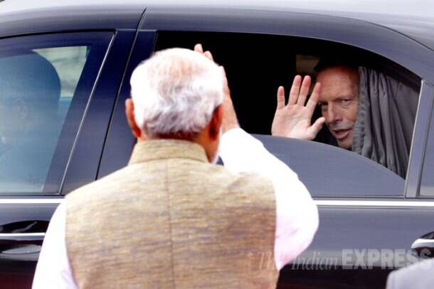 Australian PM Tony Abbot receives guard of honour at Rashtrapati Bhavan