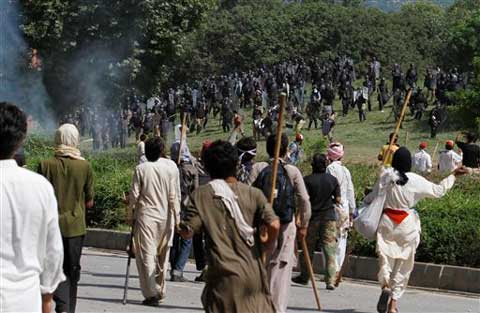 pakprotesters4_475