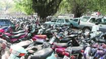 Varsity strikes  down students' demand to end parkingfee