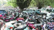 Pune traffic cops to crack down on 'parking mafia'