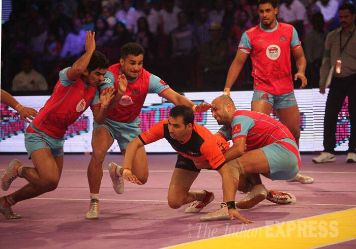 Jaipur played their cards right in the final. Instead of raiding heavy, they chose to defend well and keep U Mumba star raider Anup Kumar under close check. (Source: Express photo by Kevin DSouza)