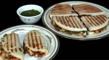 Yummilicious! How to make a pizza sandwich
