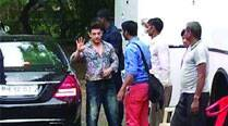 Aamir Khan waves out to his fans