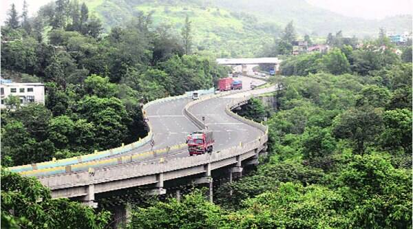 Since 2002, there have been nearly 2,000 accidents on the Mumbai-Pune Expressway. (Source:Express Archive)