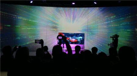 Samsung showcases largest curved UHD TV, 105-inch bendable TV and Galaxy Tab Active