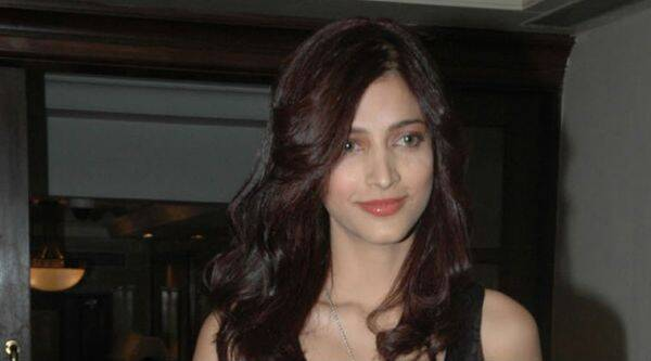 Shruti Haasan spent her Sunday dubbing for Tamil actioner 'Poojai'.