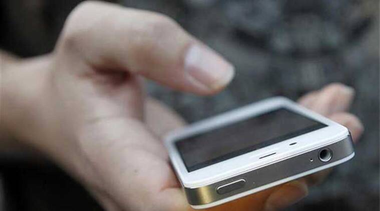Smartphones, feature phone, CMR, CyberMedia Research, telecom news, mobile industry, technology news