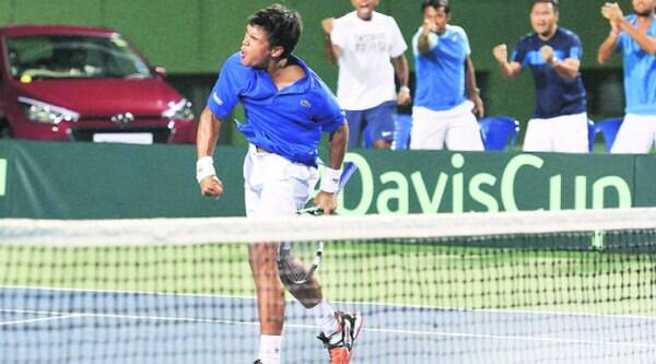 Somdev Devvarman held his nerve to come back from two sets to one down and beat Dusan Lajovic in the first reverse singles on Sunday as India bounced back from 2-0 down to 2-2. (Source: PTI photo)
