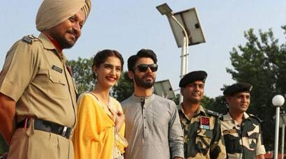 Sonam Kapoor, Fawad Khan take 'Khoobsurat' to Wagah Border