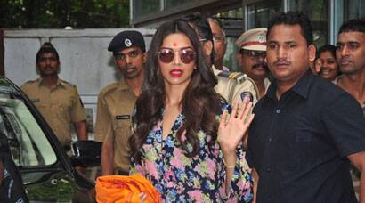 PHOTOS: Deepika Padukone prays at Siddhivinayak for 'Finding Fanny'